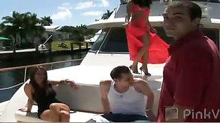 Bikini Boat Bash