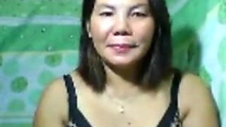 Mature PINAY nude on cam,