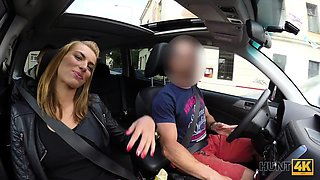HUNT4K. Guy penetrates sexy girl in his car while cuckold...
