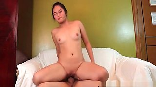 Filipina Fiona Cheats On Her Boyfriend
