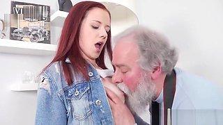 FAT OLD MAN FUCK GIRL 1080P HD