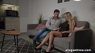 Strong dude fucks amazing blonde Mia Linz like no one before