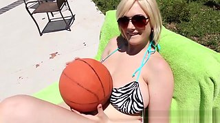 Bikini hos hooters jizzed