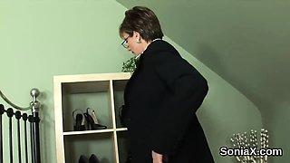 Unfaithful british mature lady sonia unveils her huge73fLw