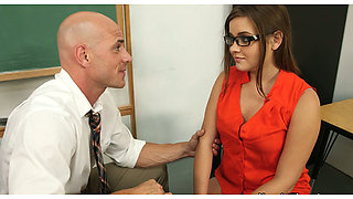 Hungry for cock Ashlynn Leigh gives a head to her school teacher