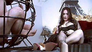 Femmefatalefilms - The caged sniffer