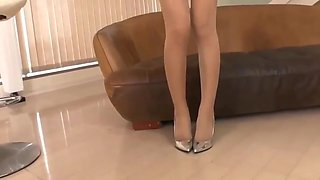 Asian blonde in pantyhose