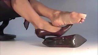 Mature Sophia's Feet : Red Heels