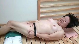 China amateur pussy spanking