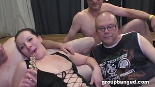 Squirty Alice In Fisting Gangbang Time