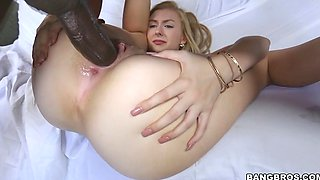 Alexa Grace faces this monster cock without fear