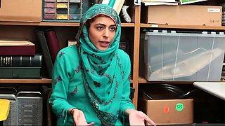 Cop gangbang Hijab-Wearing Arab Teen Harassed For Stealing
