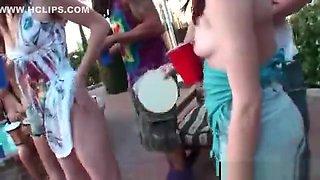kissing hippie girls drunk