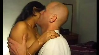 Sexy indian aunty romance with forigner