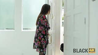 BLACK4K. Housewife wants the black plumber to fuck her right in the kitchen