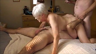 Mature lady having a 3some