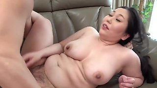 Cuddly Body Of A Beautiful Aunt - Japanese Porn