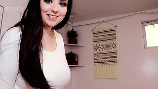 Big boob brunette masturbates on webcam