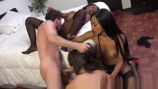Ebony sluts swap jizz