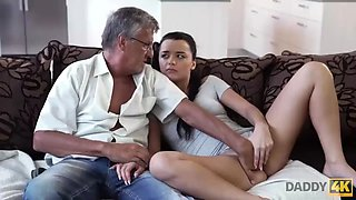 Daddy4k. guy is occupied with computers so why gf fucks his