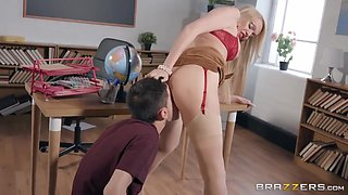 Jordi El Nino Polla And Amber Jayne In Sexy Teacher Seduces A Teenager With Her Big Cleavage