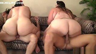 Threesome bbw....sexy sluts take cok