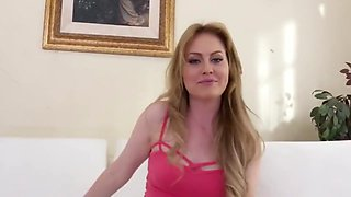Amateur 19 year old takes Mandingo's Monster!