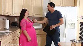 Vanessa London - Serving Pregnant Pussy