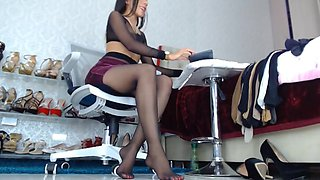 masturbation in front of the webcam in pantyhose