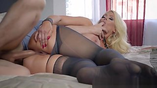 Brazzers - Big Butts Like It Big - My Stepmothers Pantyhose