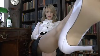Femdom brit high heels and feet!