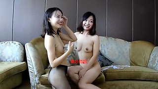 Chinese threesome with blowjob and taking photos
