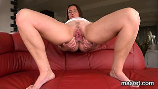Hot czech chick opens up her tight pussy to the peculiar75hB