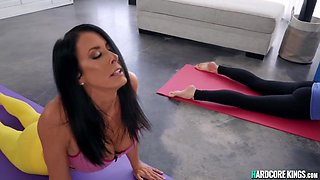 Reagan Foxx And Juan El Caballo Loco - Milf Yoga Teacher Gets Bonked By Horny Youngster