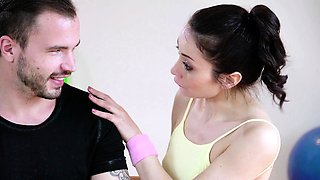 RELAXXXED - Italian babe Valentina Bianco gets fucked in gym