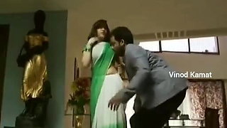Best Seductive Scene of South Actress With Expose Saree