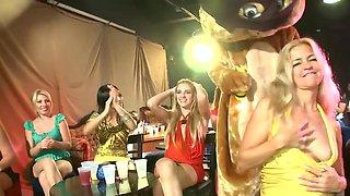 Strip club party turns into a full-blown suckfest