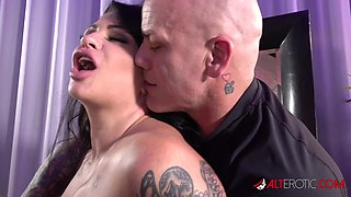Rough and Energetic Fucking With Samantha Mack and Derrick Pierce