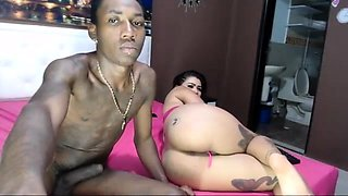 Very Hot 19yo BBW teen shakes that Ass on Webcam