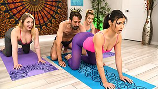 The Guru Of Gape Free Video With Steve Holmes & Brooklyn Gray - Brazzers