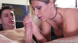 Smoking hot Makayla Cox wants to jerk a dick with her boobs
