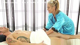 Asian masseuse spermed