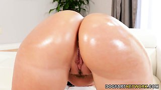 Big Ass Gia Paige Wants BBC While Her Huband Is Away