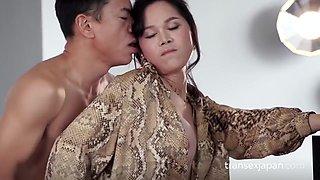 Transex Japan - Mimi - Standing Bareback Creampie Sex