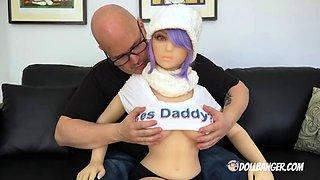 Dollbanger&#039s bangs his sex doll girlfriend