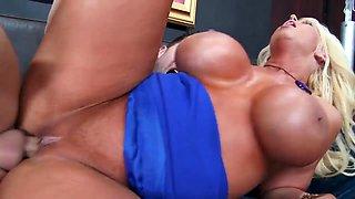 Cougar Alura Jenson fucked by Seth Gamble