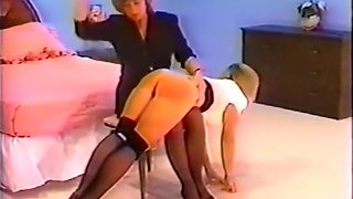 Vintage spanking for pantyhosed ass