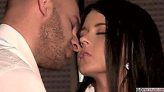 Mia Manarote and Neeo 1080p HD