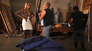 Nerdy MILF Keira Nicole gets pounded by construction worker.