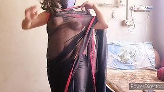 Hot Indian in saree